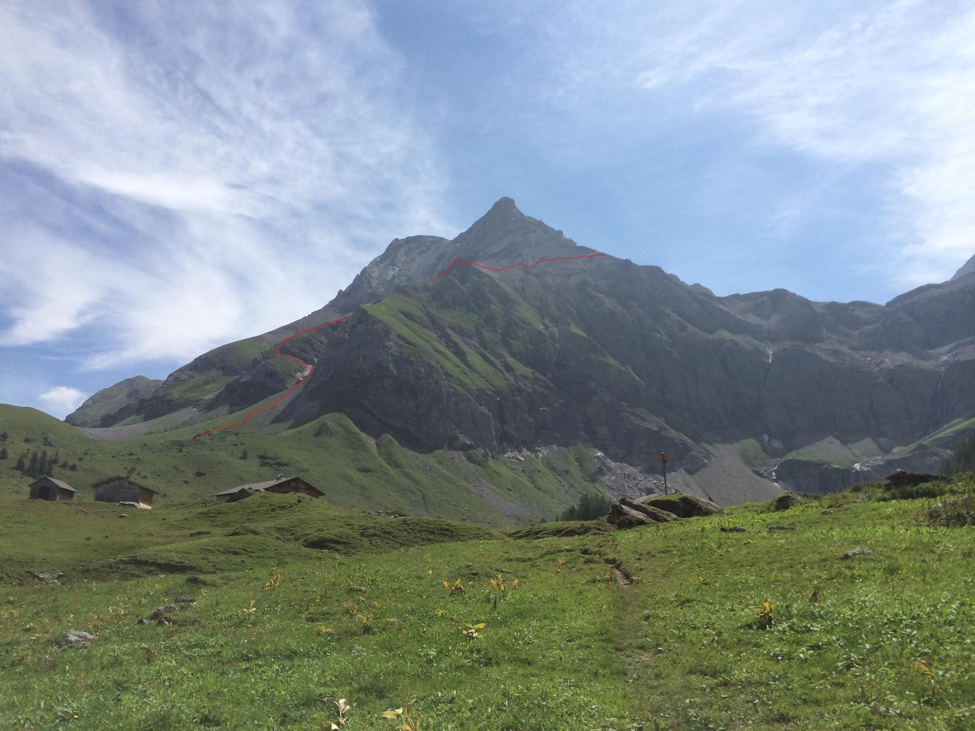 Der Aufstieg über die Schafniese - die Route ist rot eingezeichnet