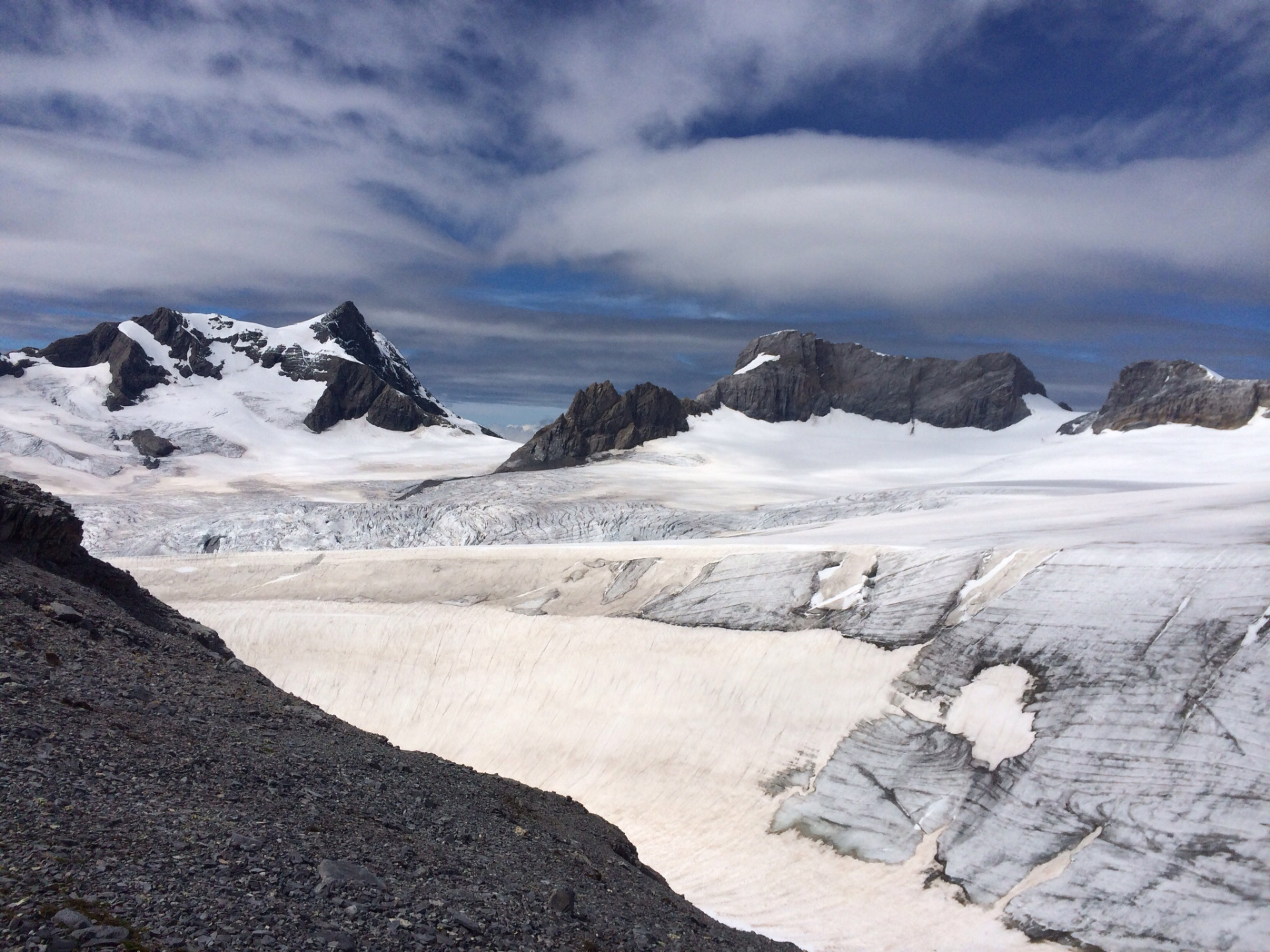 Viel gefrorenes Wasser zwischen Planurahütte und Schärhorn
